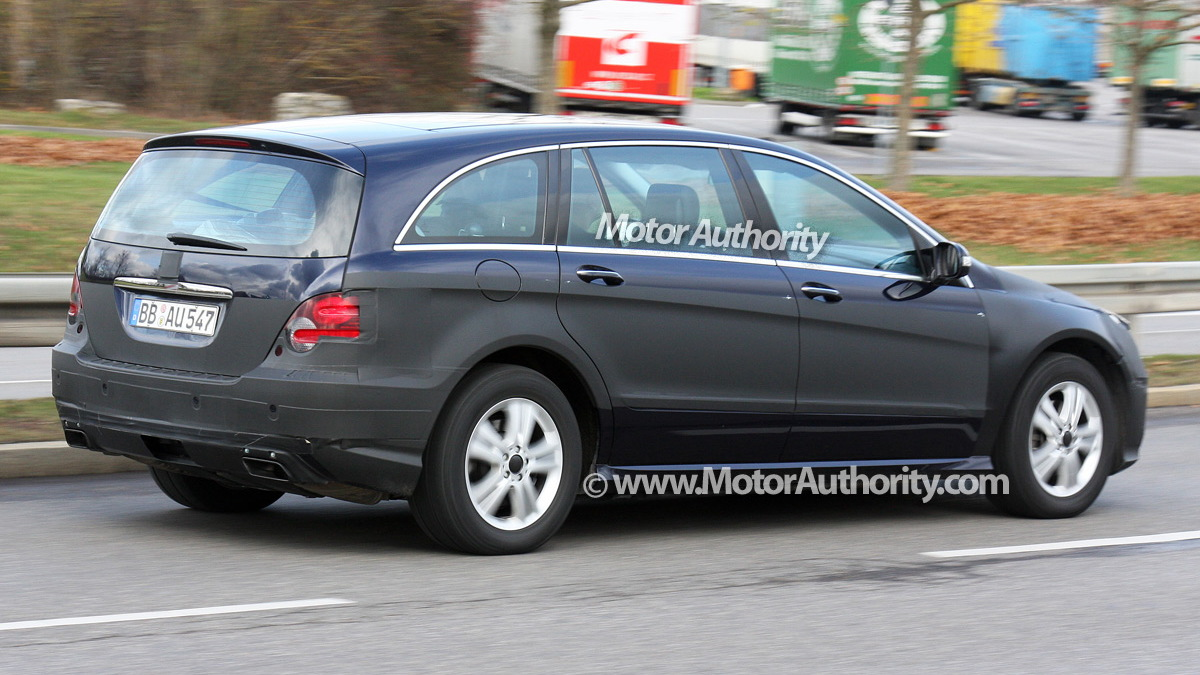 2010 mercedes benz r class facelift spy shots december 006