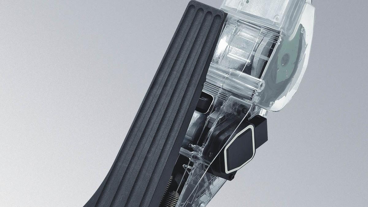 continental affp pedal motorauthority 002