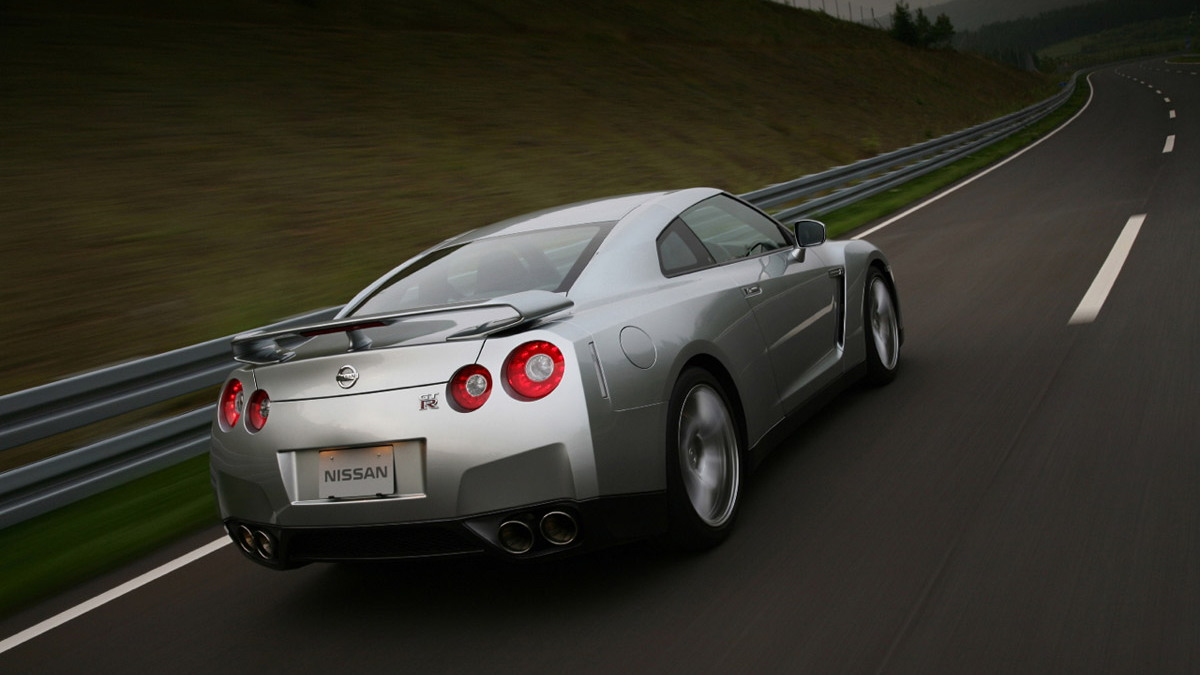 nissan gt r official1 motorauthority 004 1
