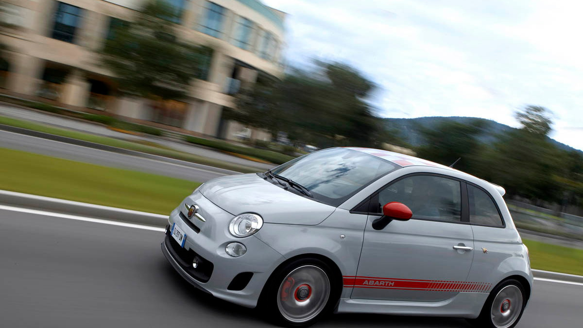 fiat abarth 500 opening motorauthority 004