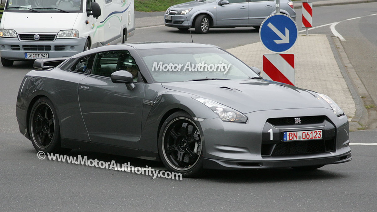 2010 nissan gtr v spec spy shots sept 08 002