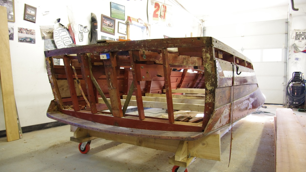Infiniti's 1962 Chris Craft Holiday under restoration