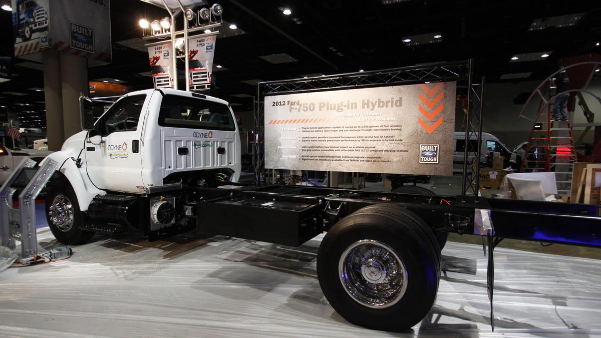 Ford F-750 Class 7 medium-duty work truck, plug-in hybrid conversion by Odyne