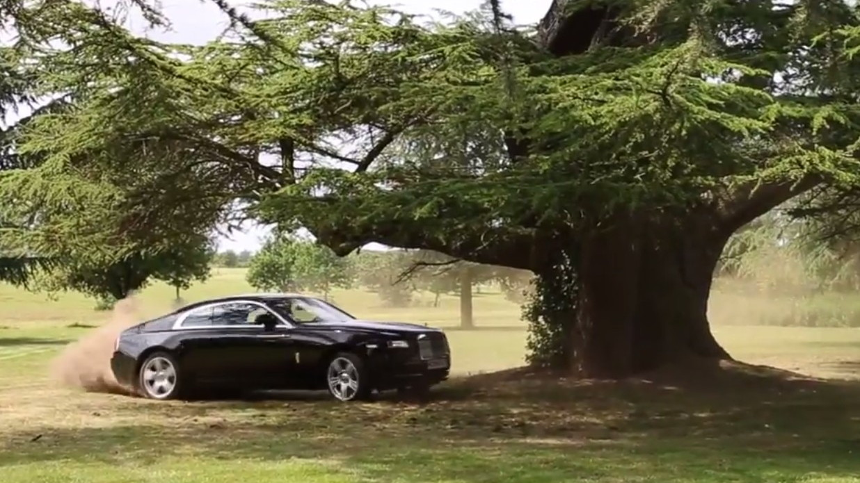 Tax The Rich hoon the Rolls-Royce Wraith