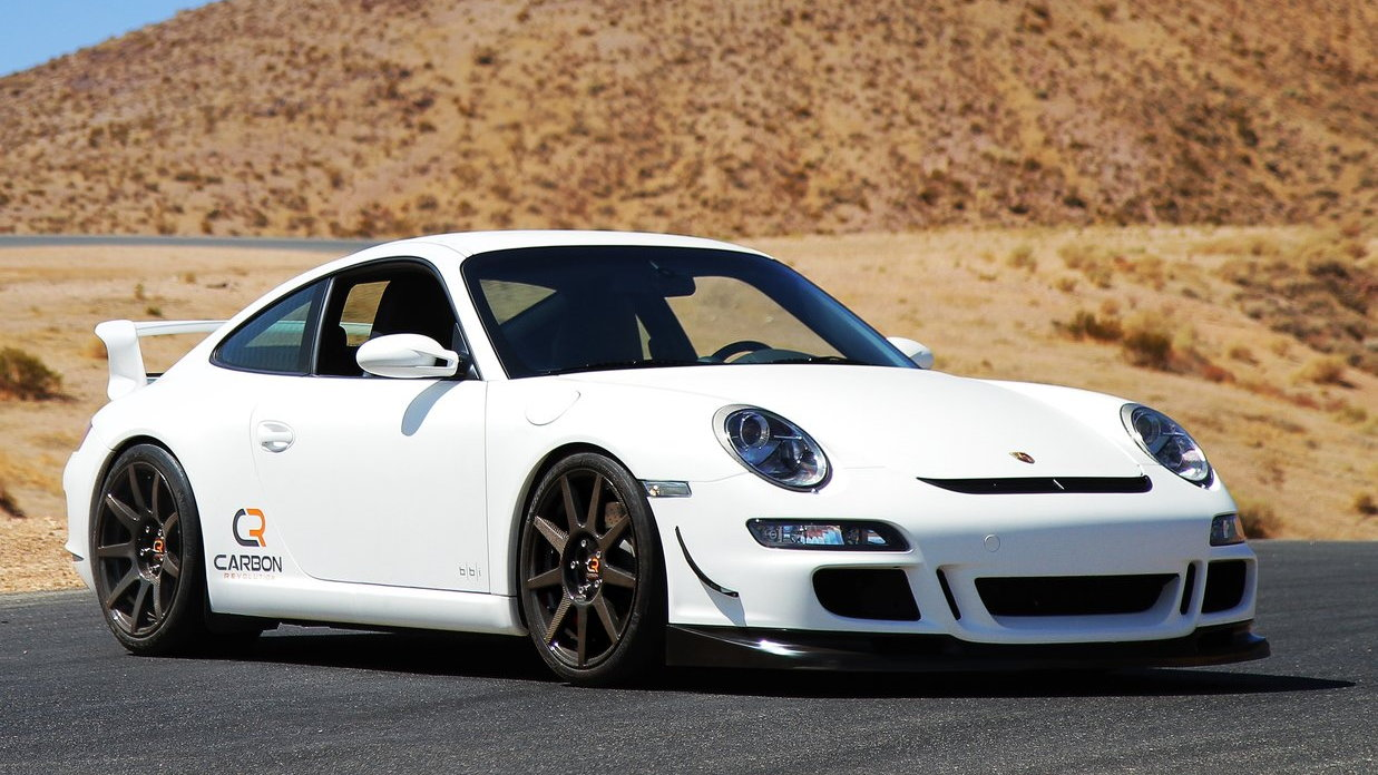 Porsche 911 with Carbon Revolution CR-9 carbon-fiber wheels