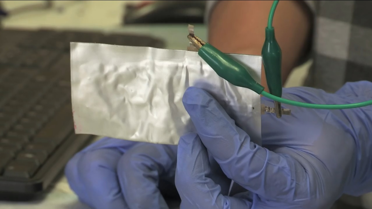 Prototype aluminum-ion battery cell developed at Stanford University, Apr 2015