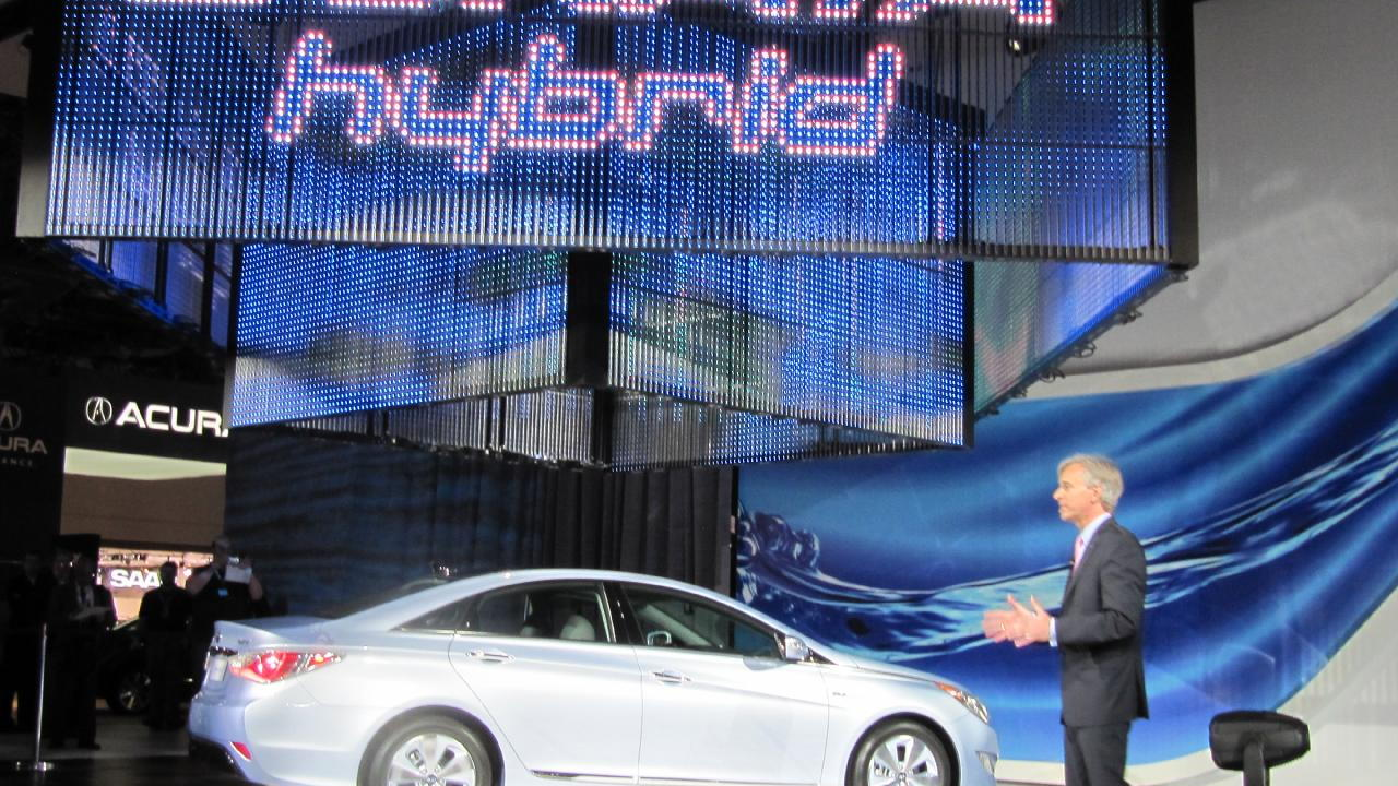 2011 Hyundai Sonata Hybrid at 2010 New York Auto Show with CEO John Krafcik