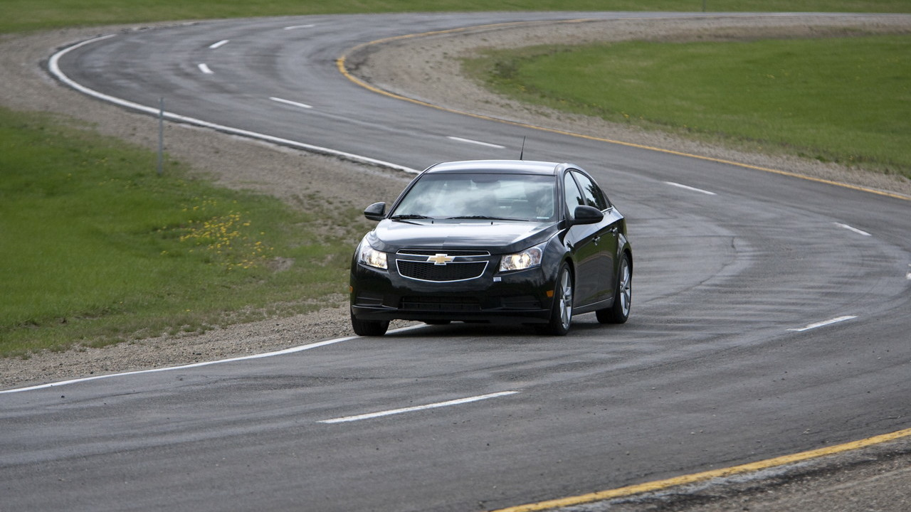 2011 Chevrolet Cruze preview