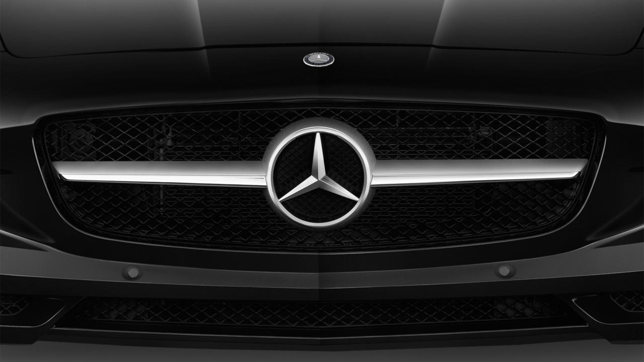 2013 Mercedes-Benz SLS AMG GT 2-door Coupe SLS AMG GT Grille