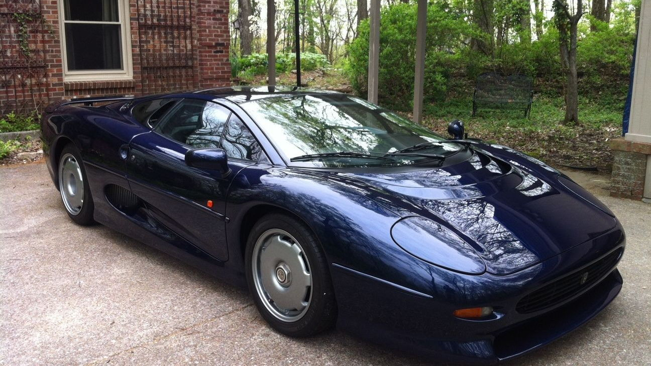 Final Jaguar XJ220 built up for auction
