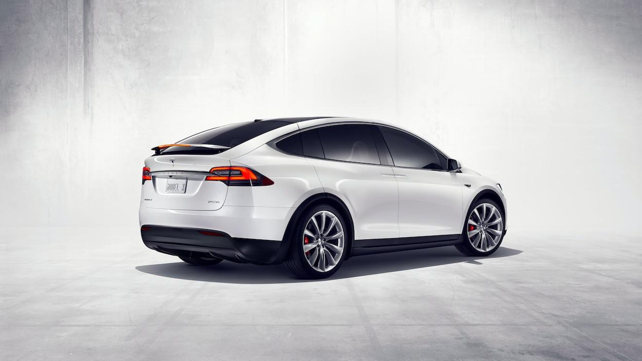 Tesla Model S 75D >> Tesla upgrades Model X's base battery, raises price
