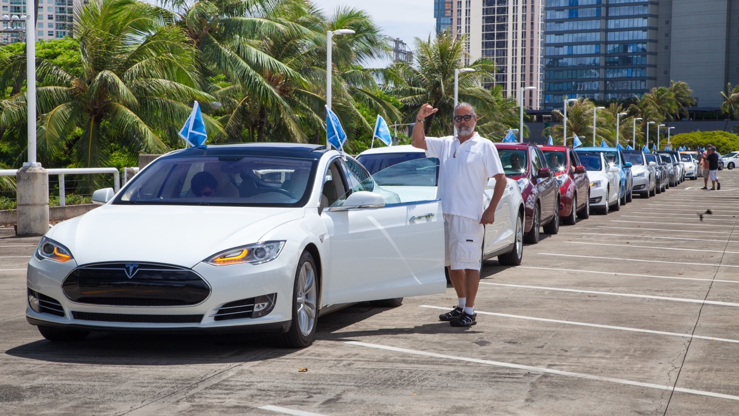 National Drive Electric Week 2016: Honolulu, HI [photo: Blue Planet Foundation]