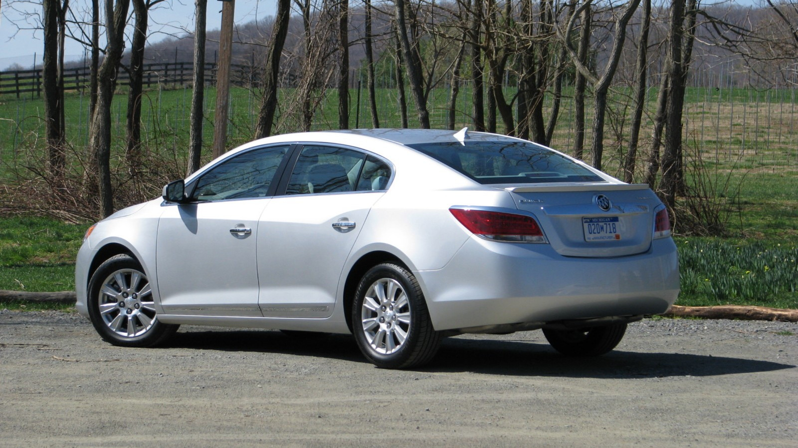 Buick LaCrosse four-cylinder drive