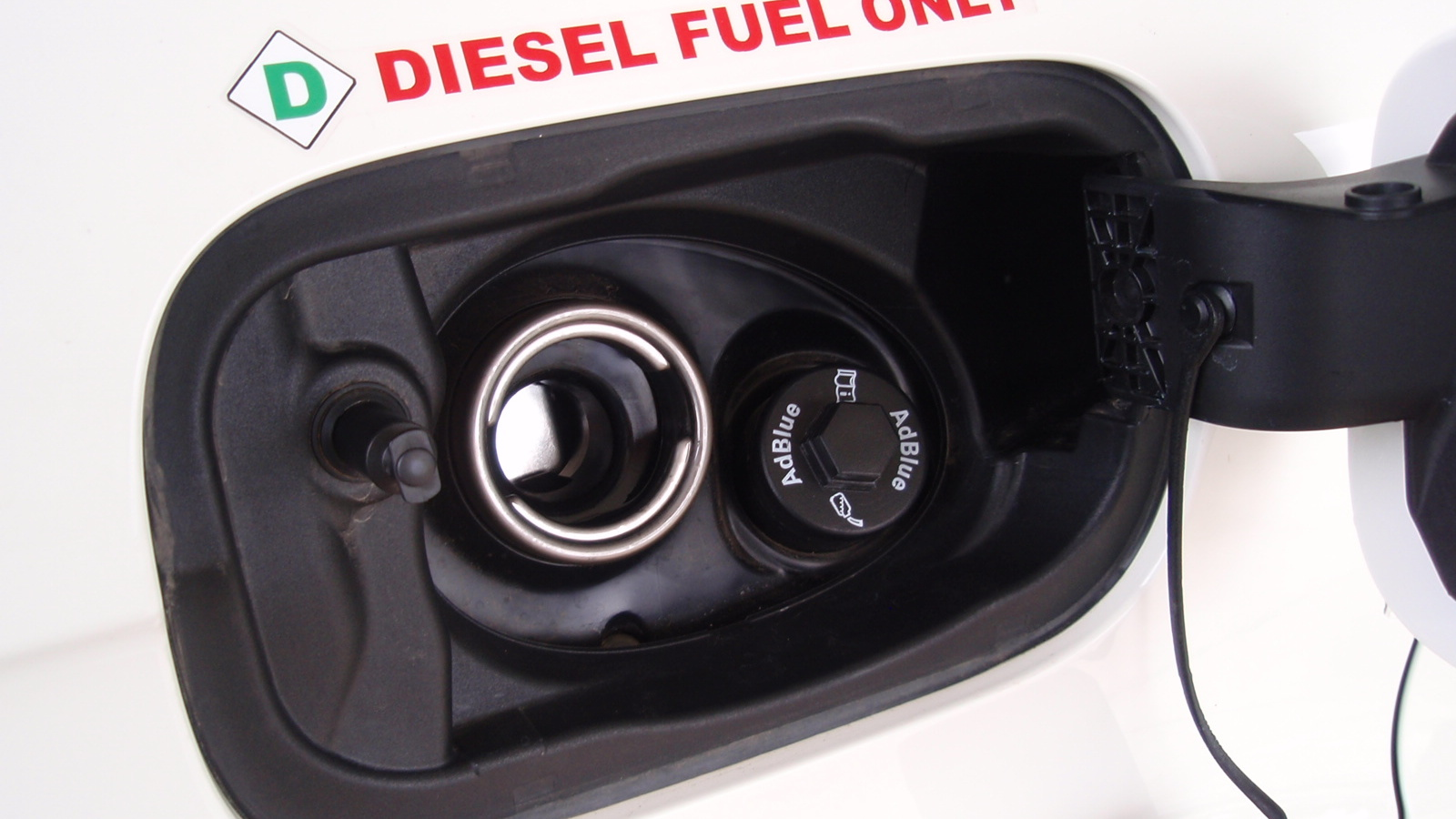 'Diesel fuel only' caution on Audi Q7 TDI