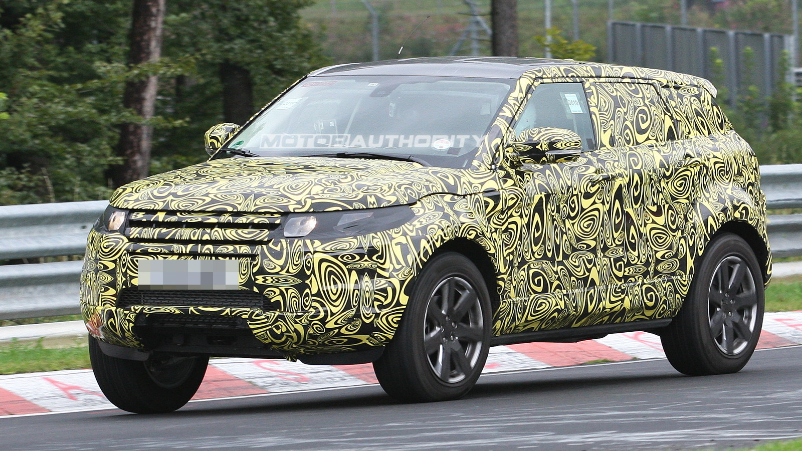 Spy shots: 2012 Range Rover Evoque five-door