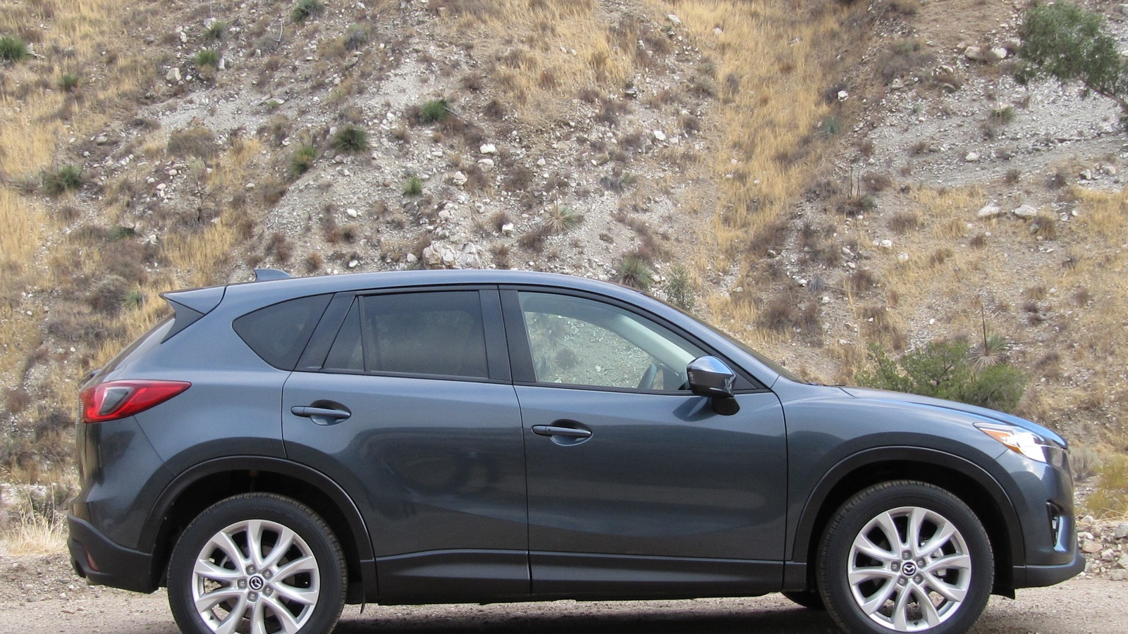 Mazda Cx 5 Gas Mileage >> 2013 Mazda Cx 5 Kicks Compact Crossover Gas Mileage Higher
