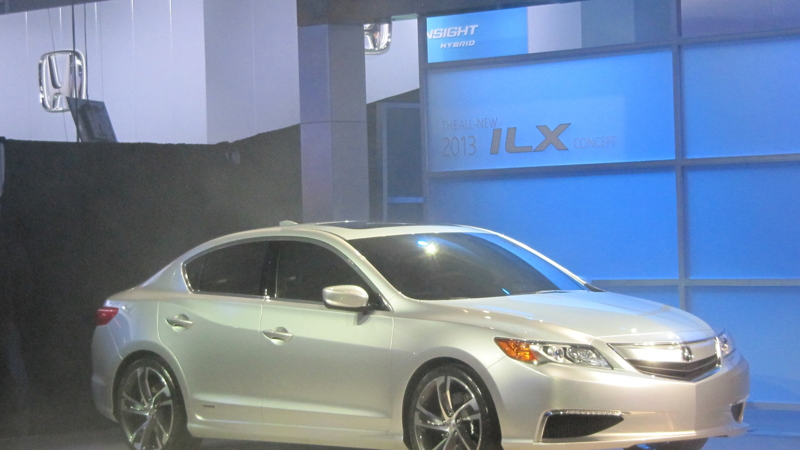 2013 Acura Ilx Compact Luxury Sedan Live Shots More Details