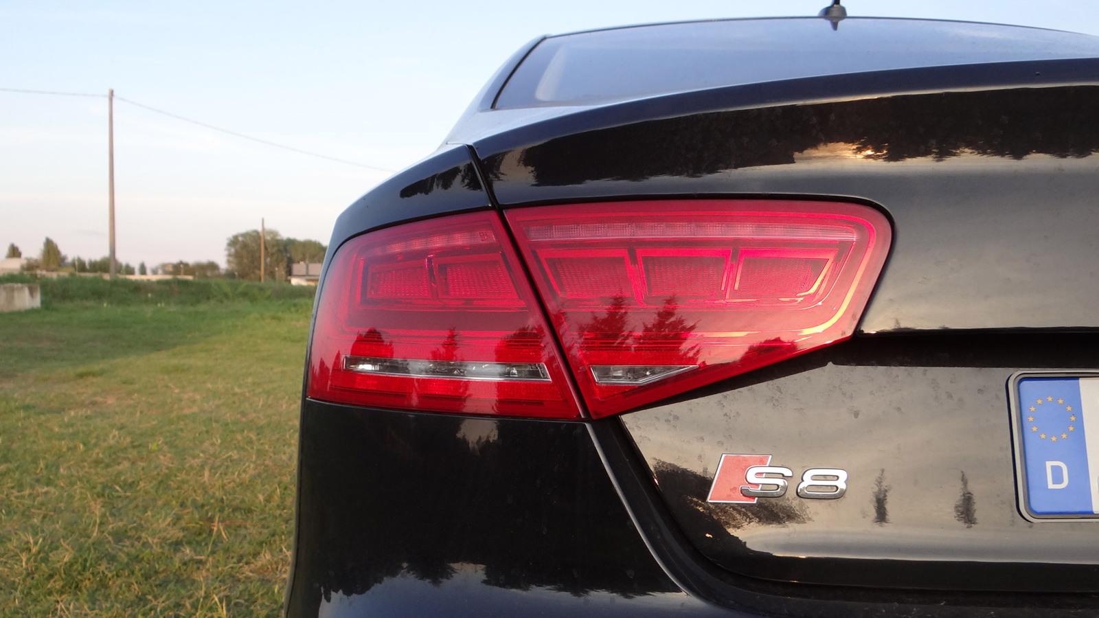 2013 Audi S8 (European spec)