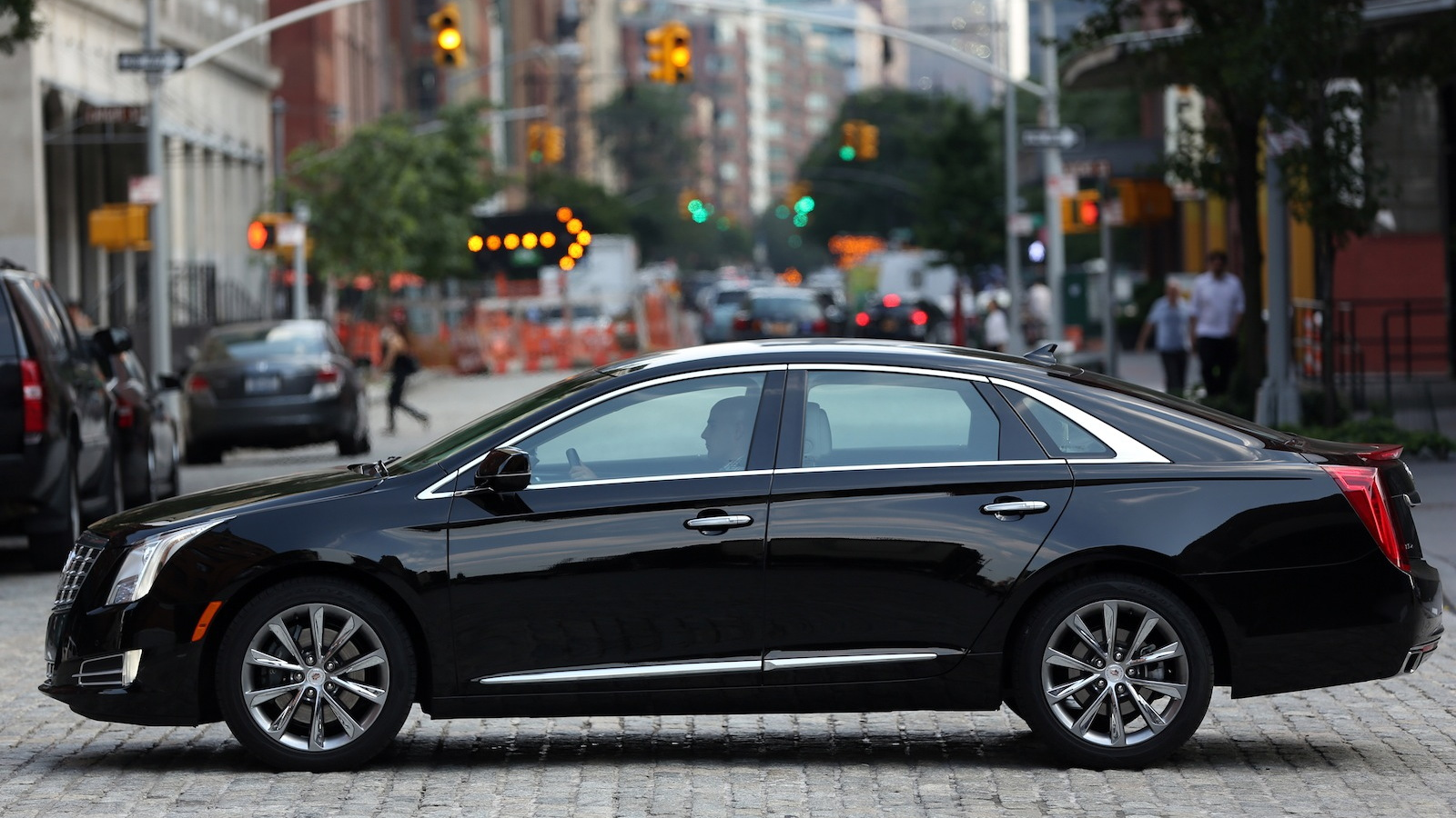 Cadillac S Xts Sedan Looks To Bring Luxury To Livery