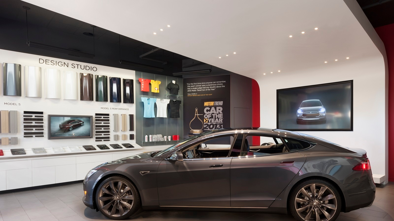 Tesla Store Los Angeles [photo: Misha Bruk / MBH Architects]