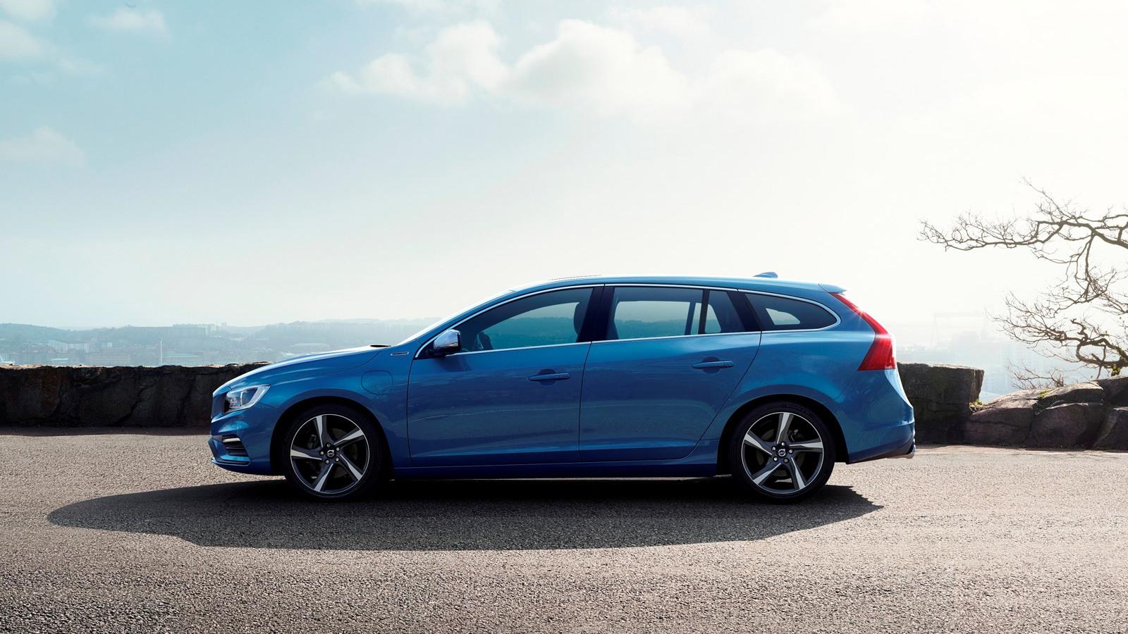 2015 Volvo V60 Plug-In Hybrid R-Design