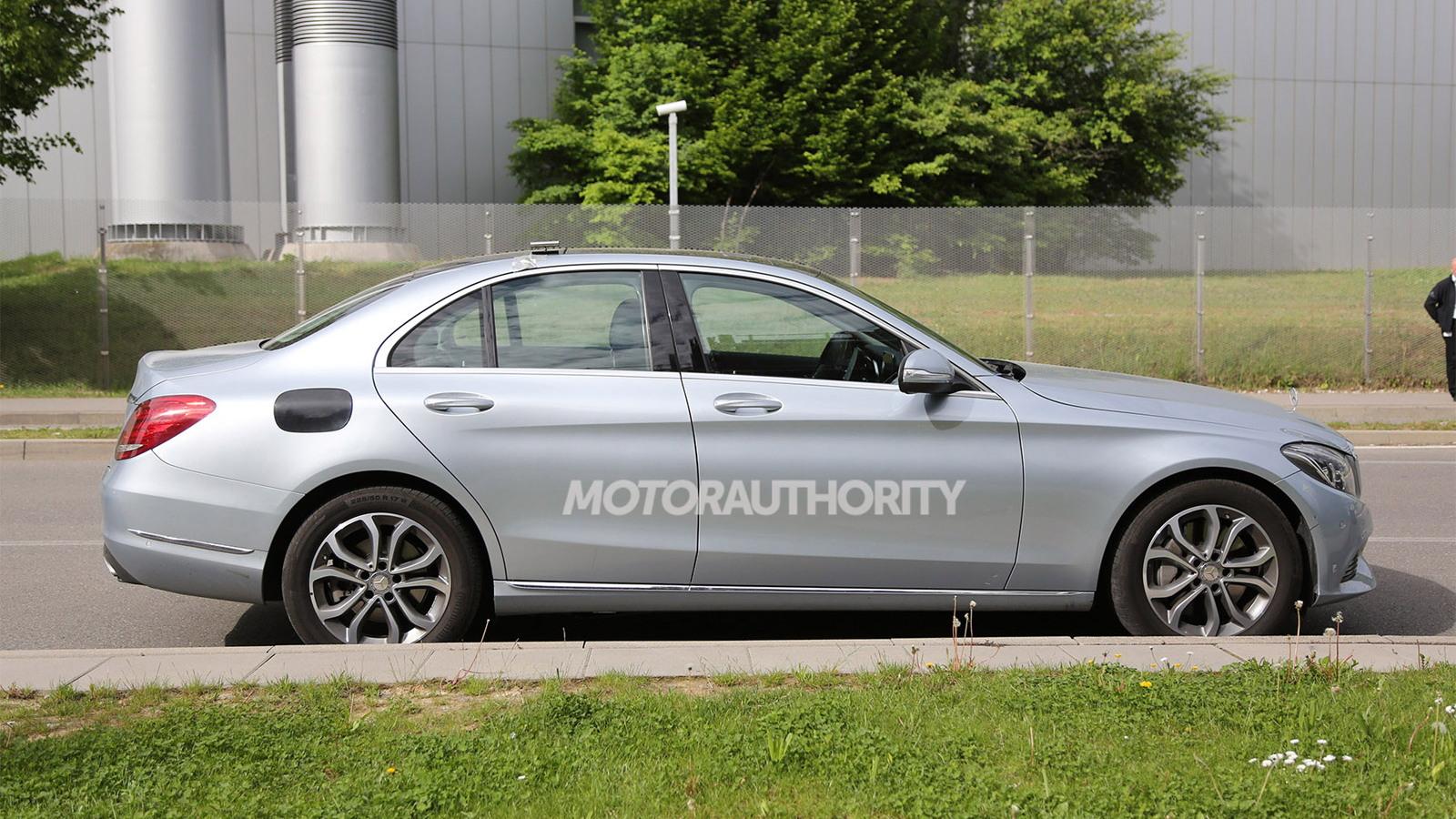 2016 Mercedes-Benz C-Class Plug-In Hybrid spy shots