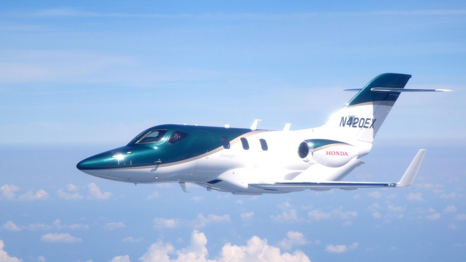 HondaJet aircraft takes its maiden flight
