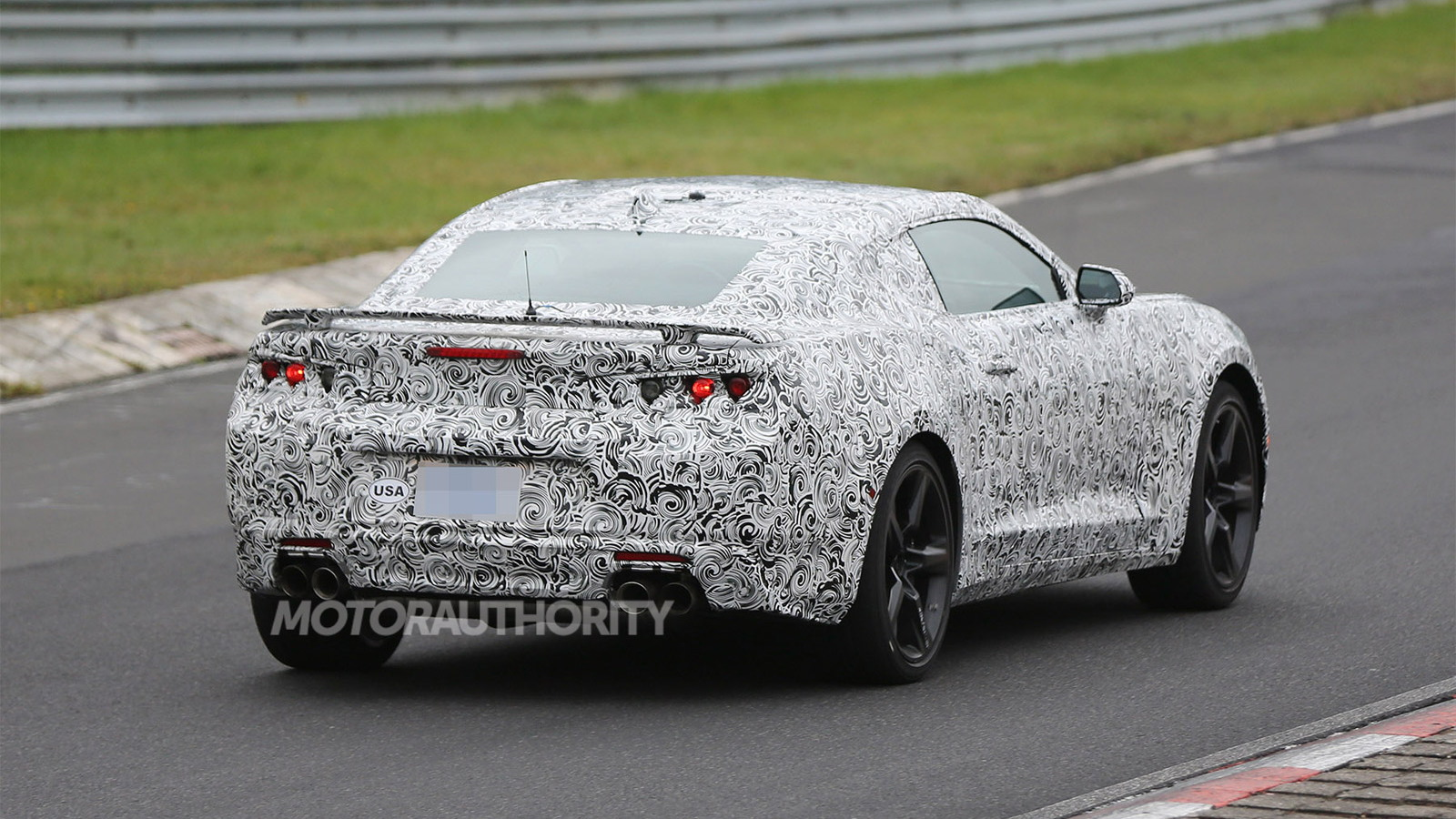 2016 Chevrolet Camaro spy shots