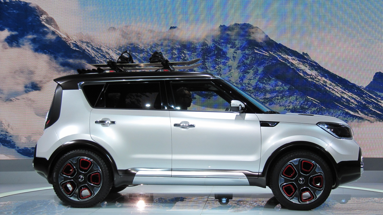 Kia Soul Awd >> Kia Soul Based Trail Ster Concept Features Electric Awd Live Photos