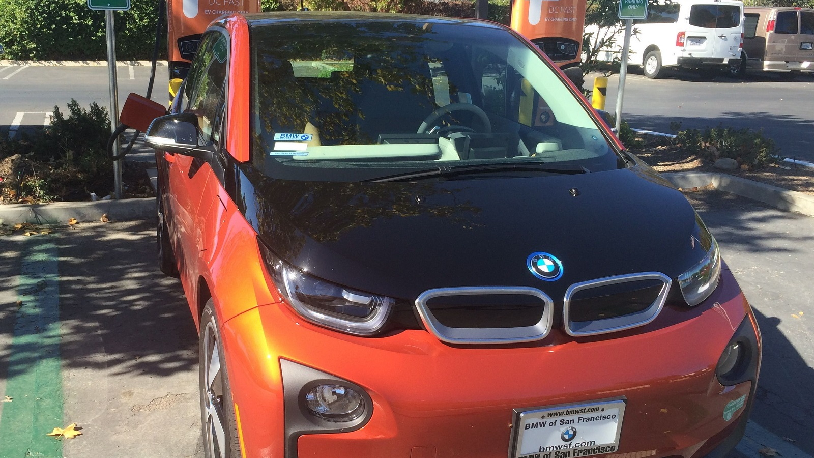 2015 BMW i3 REx fast-charging at Marriott Inn, Santa Ynez, California   [photo: Jeff Pantukhoff]