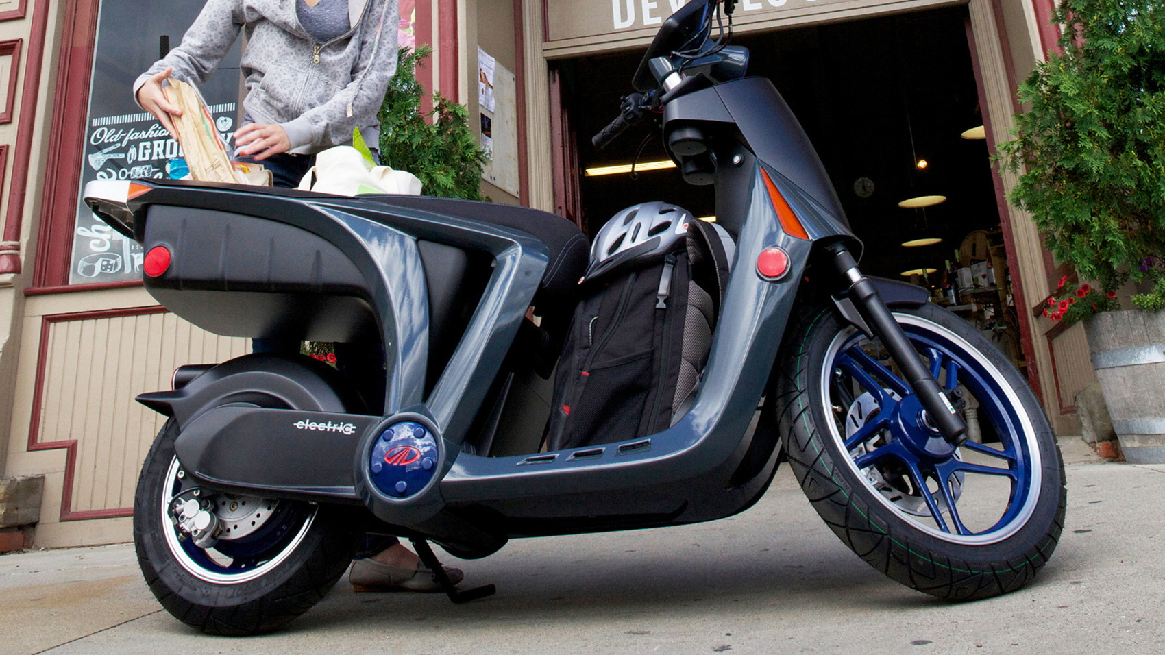 Mahindra GenZe electric scooter