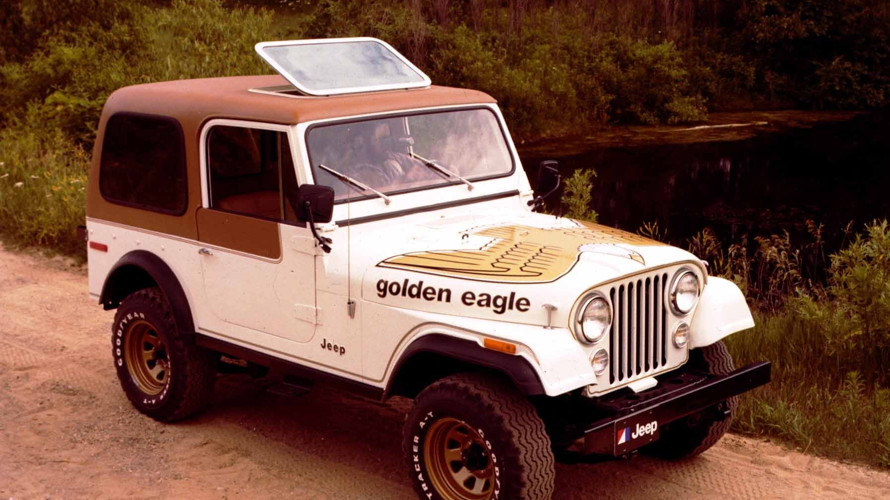Jeep Commando Jeepster complete hood kit with GOLD Letters  !!Brand New!!