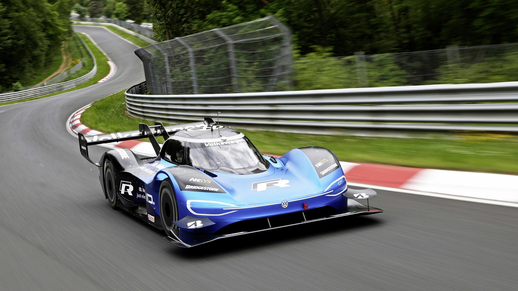 Volkswagen ID R electric race car sets Nurburgring lap records