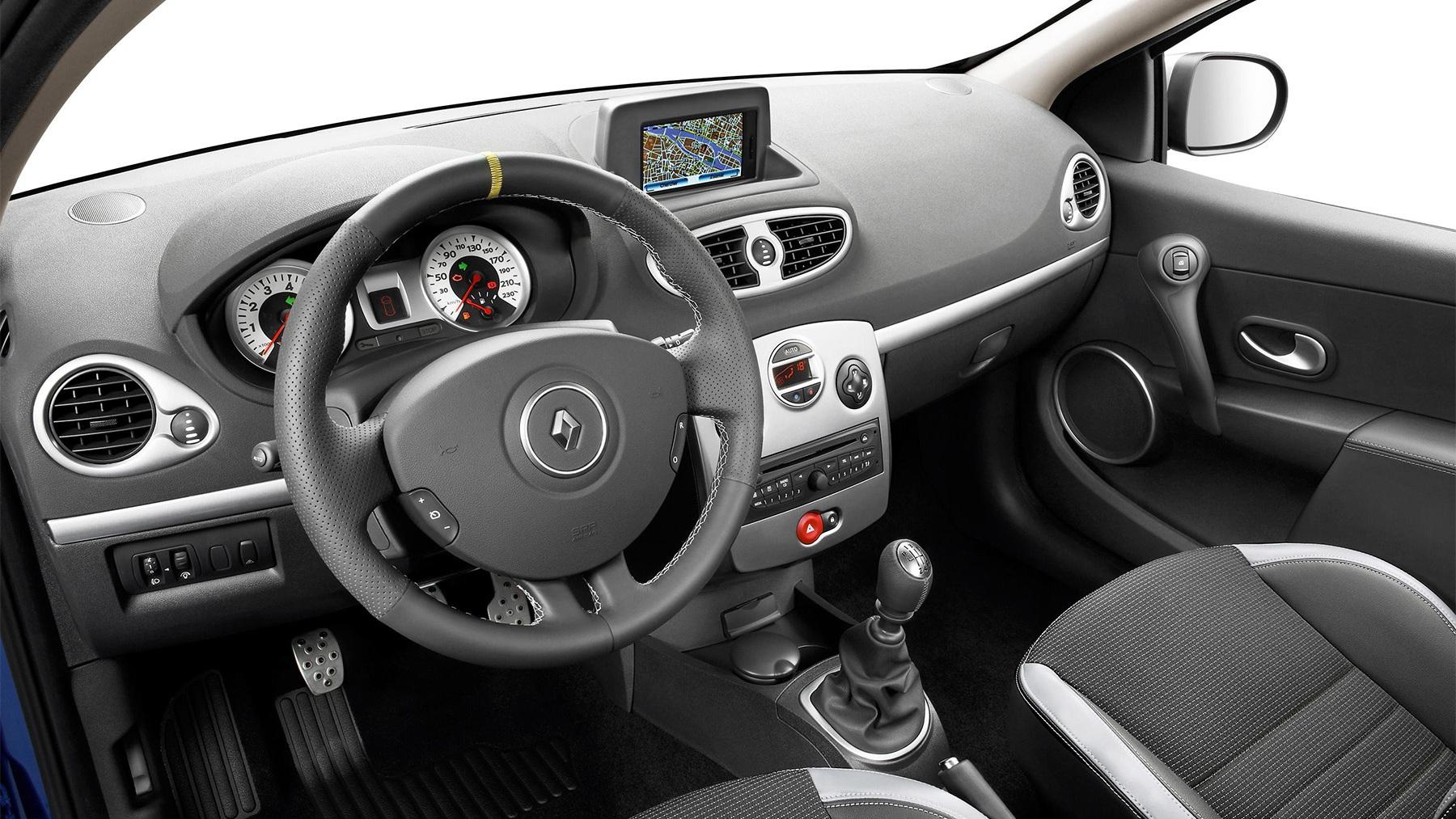 2010 renault clio facelift 003