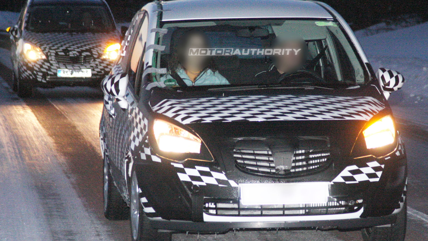 2010 opel meriva spy shots february 001