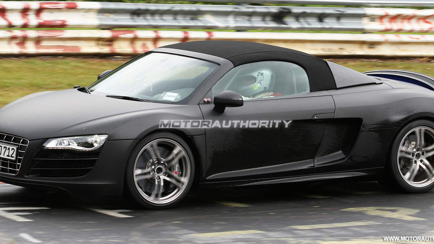 2011 audi r8 spyder spy shots june 008
