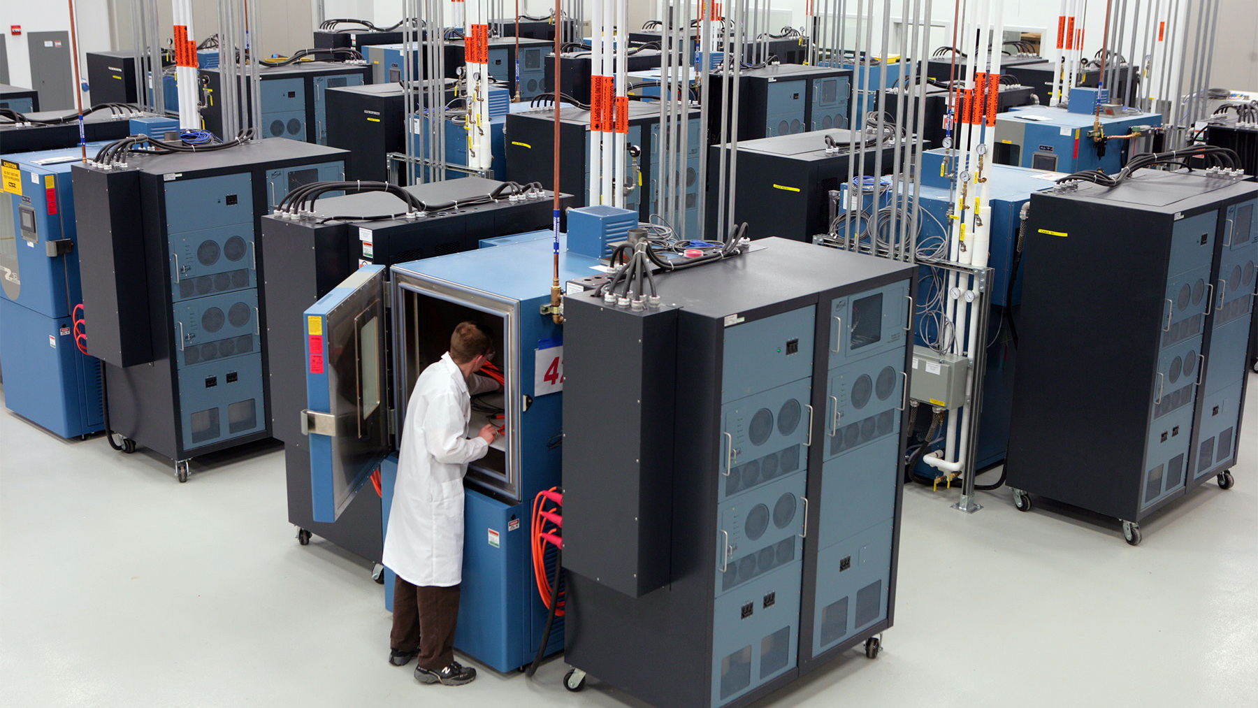 gm global battery systems lab 005