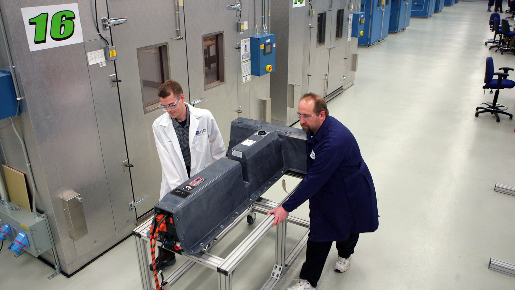 gm global battery systems lab 009