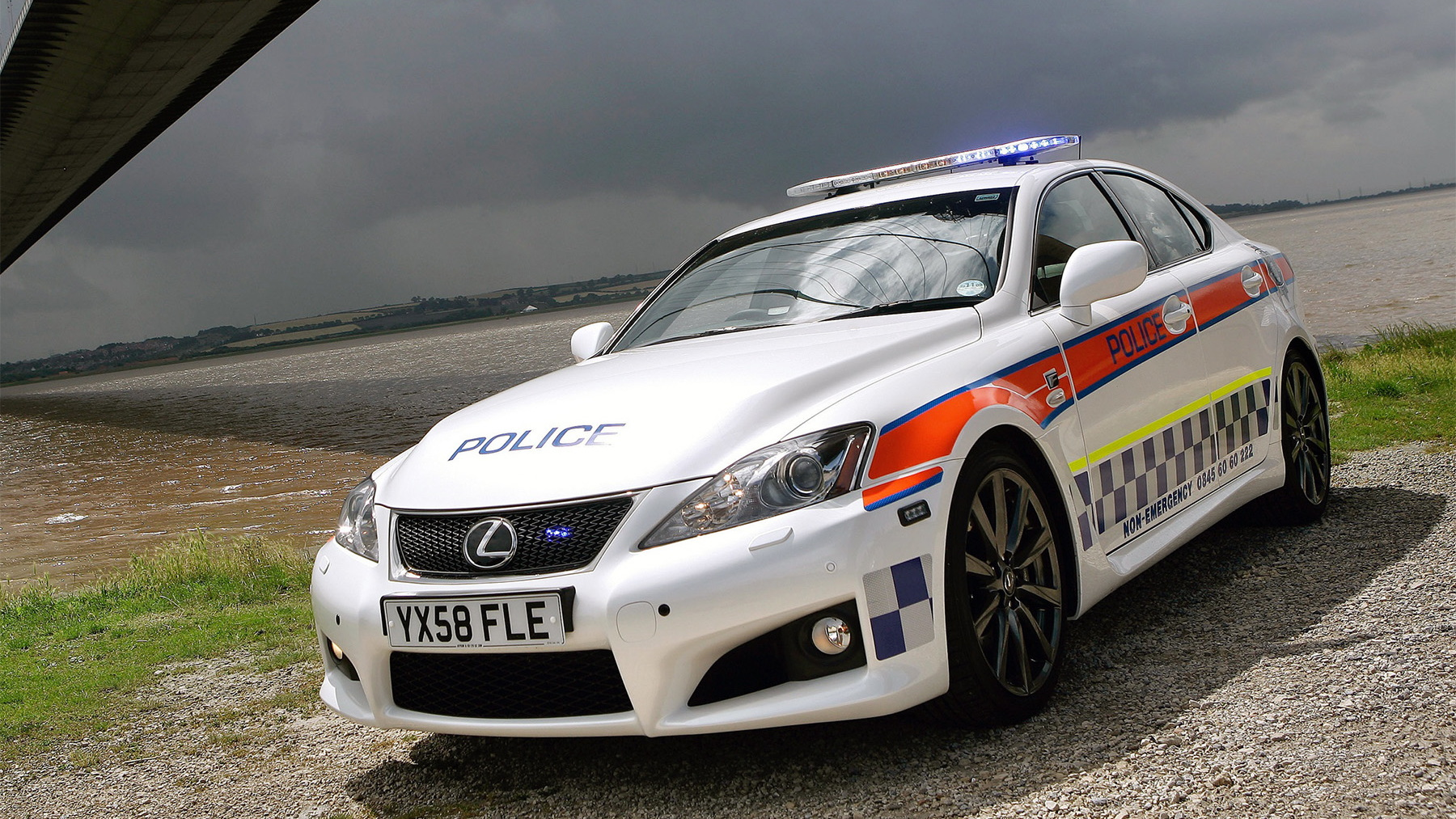 2009 lexus is f police car 003