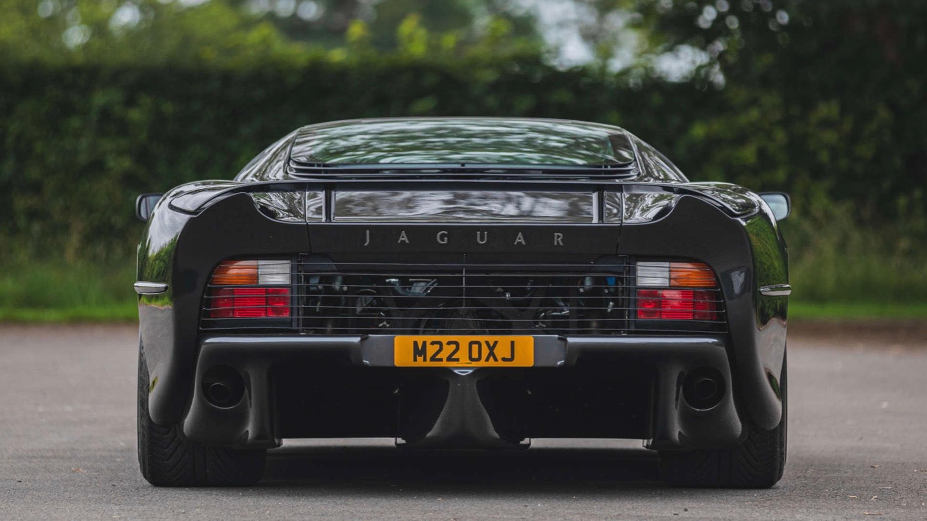 1995 Jaguar XJ220 (photo via Silverstone Auctions)