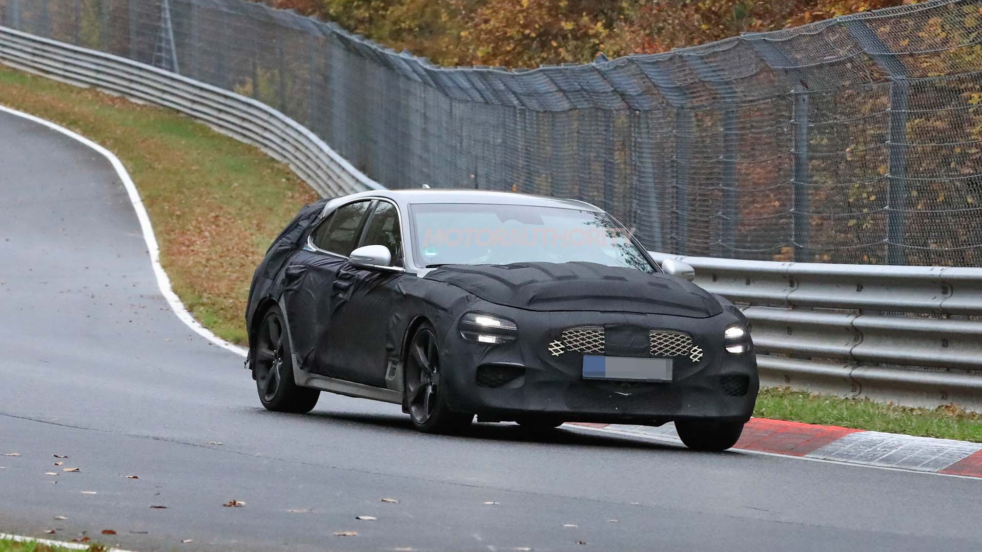 2022 Genesis G70 wagon spy shots
