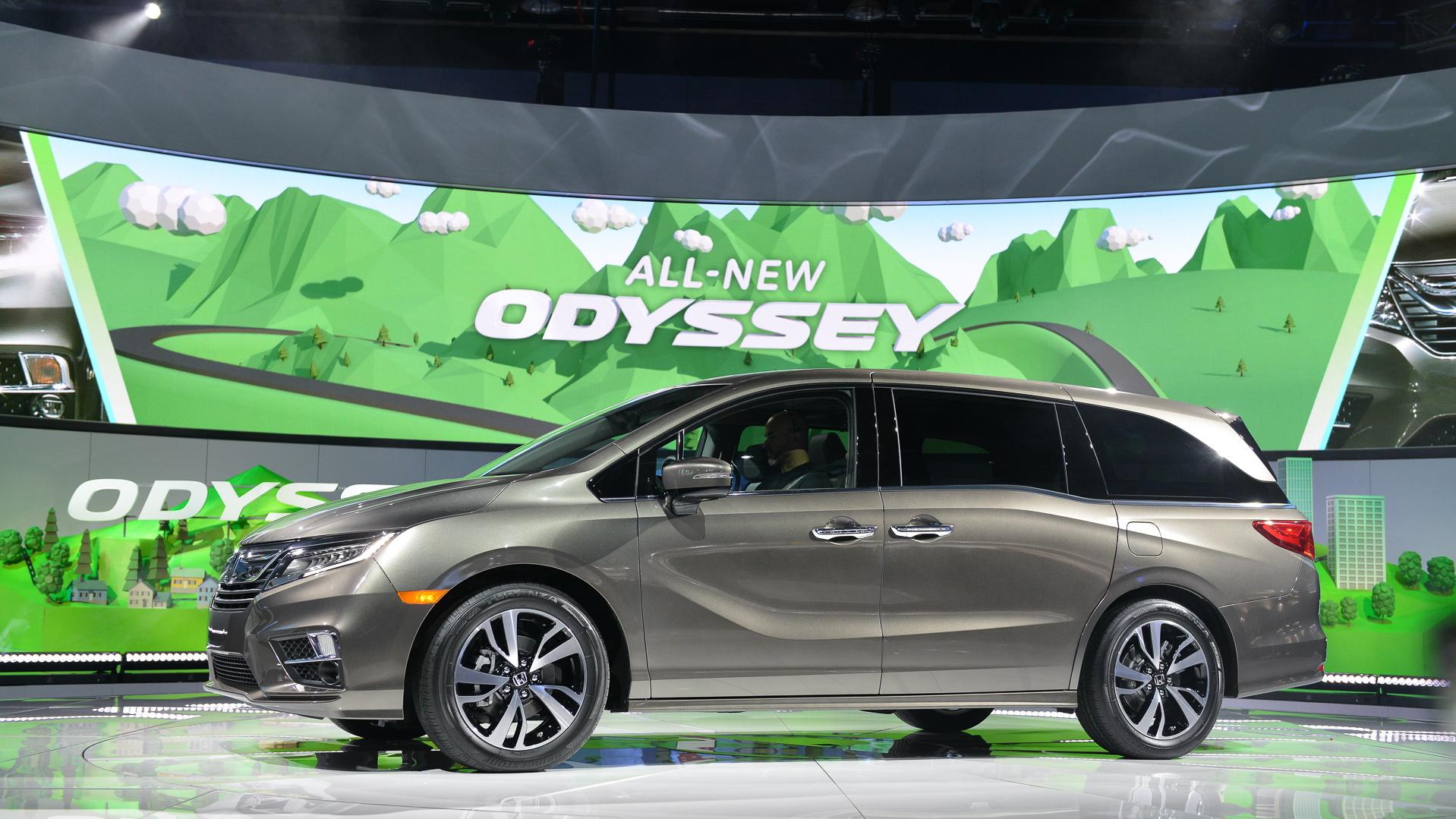 2018 Honda Odyssey, 2017 Detroit auto show
