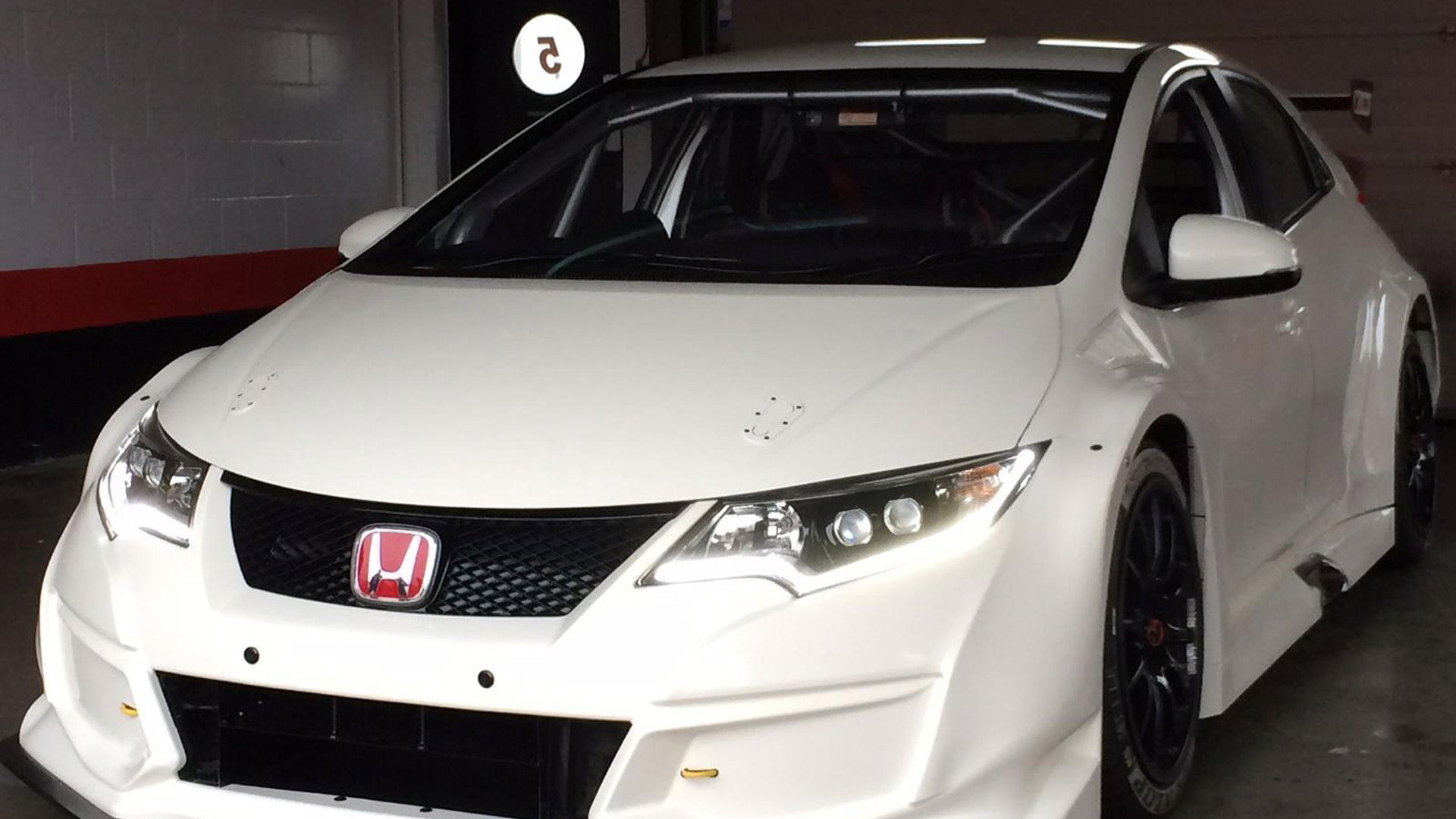 2015 Honda Civic Type R BTCC race car