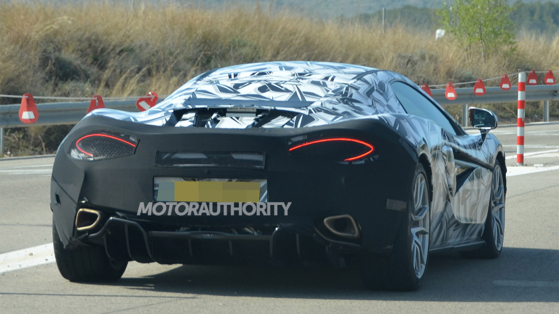 2016 McLaren Sports Series spy shots - Image via S. Baldauf/SB-Medien