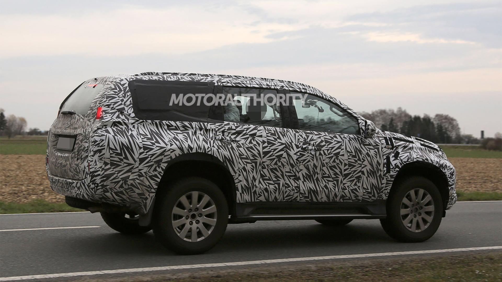 2017 Mitsubishi Montero spy shots - Image via S. Baldauf/SB-Medien