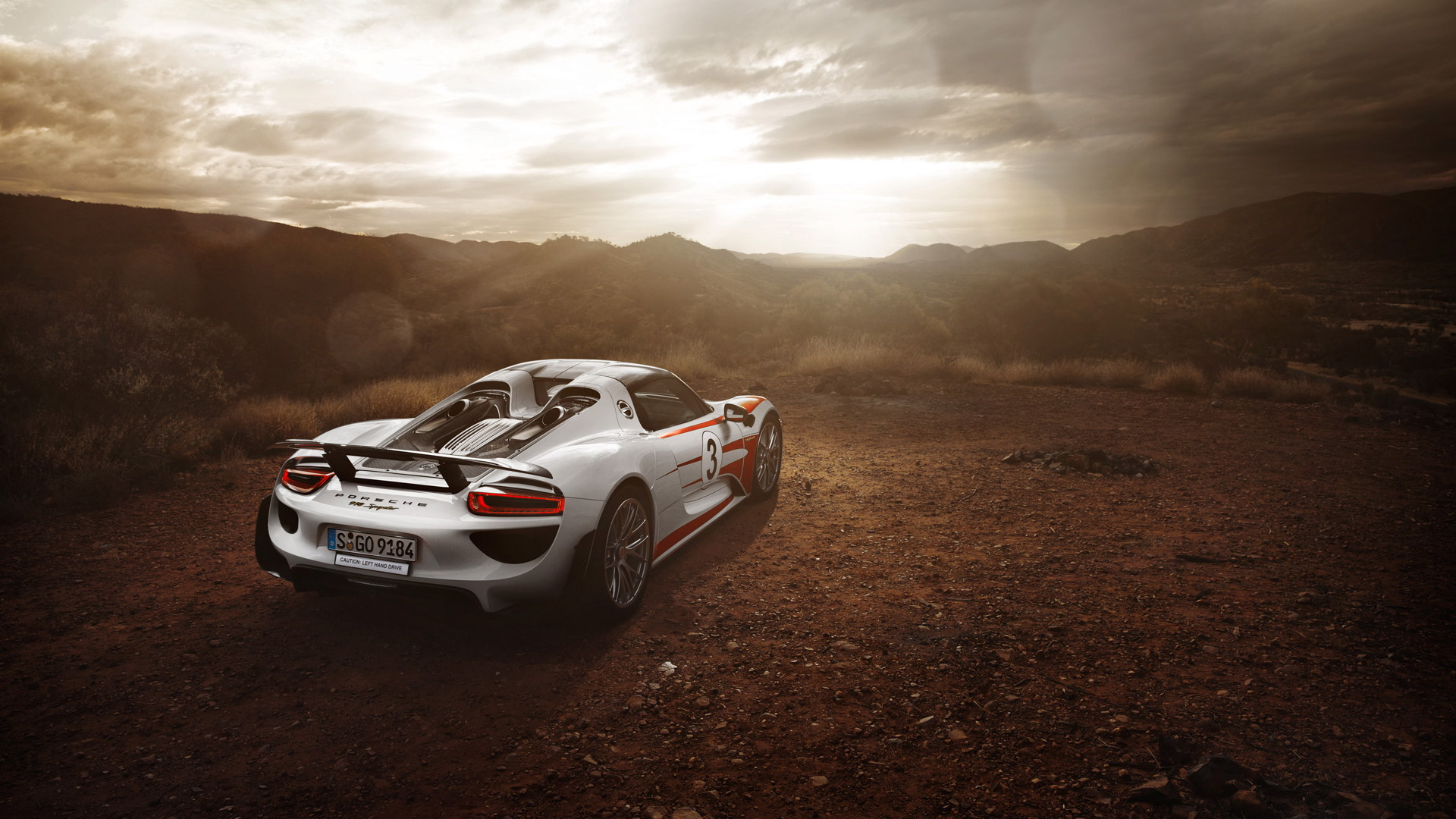 Porsche 918 Spyder in the Australian Outback