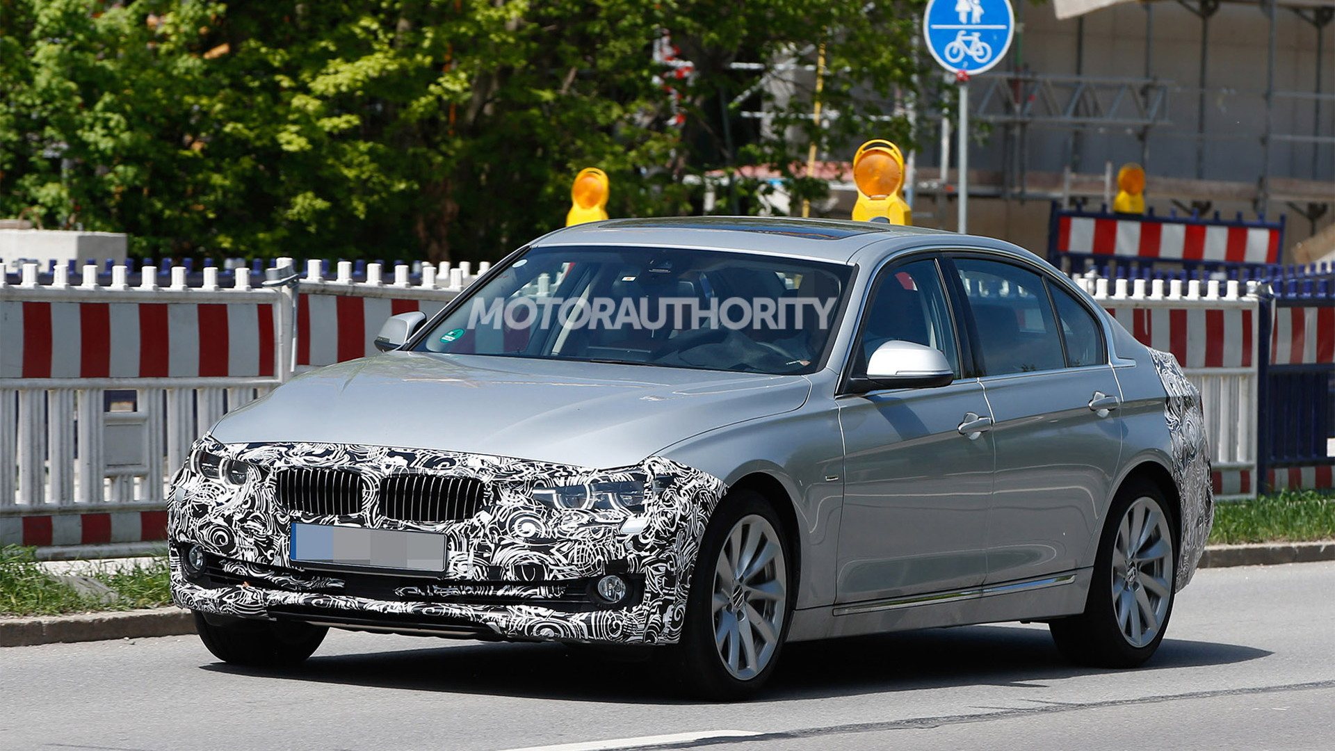 2016 BMW 3-Series long-wheelbase model facelift spy shots - Image via S. Baldauf/SB-Medien