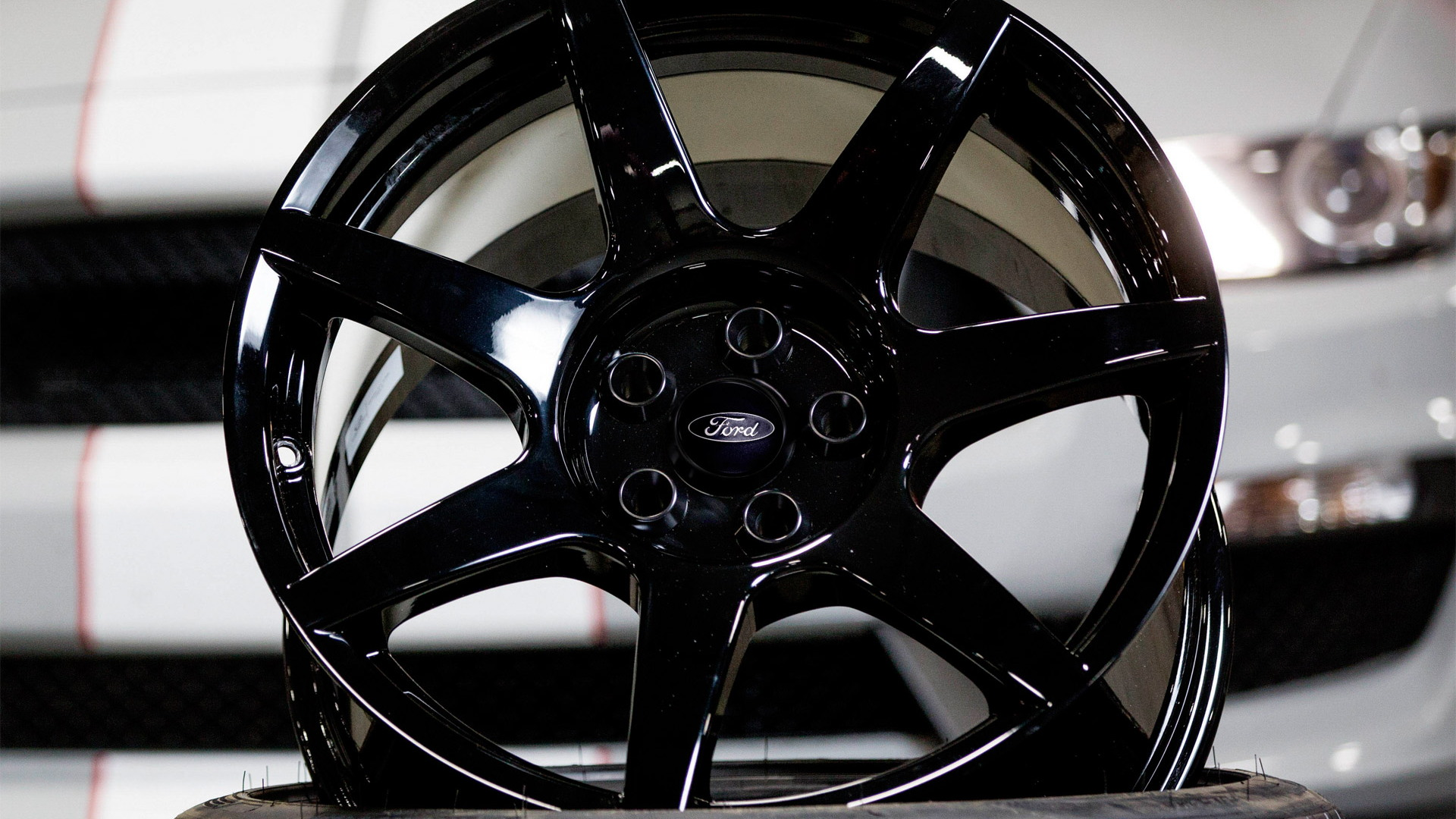 2016 Ford Mustang Shelby GT350R's carbon fiber wheels