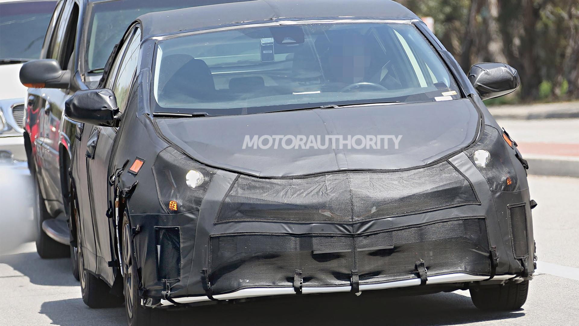 2016 Toyota Prius spy shots - Image via S. Baldauf/SB-Medien