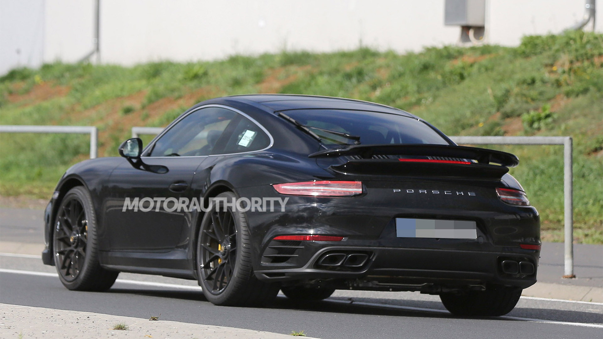 2017 Porsche 911 Turbo facelift spy shots - Image via S. Baldauf/SB-Medien